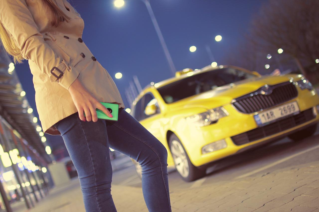 Taxi Driver vs Rideshare Providers